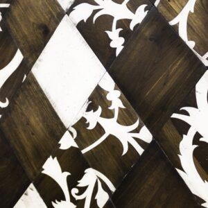 Деревянная стеновая панель Каро с узором